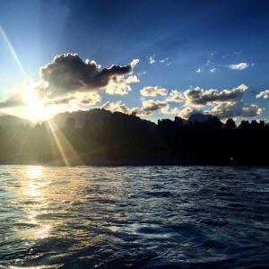 River trip down Snake River
